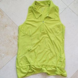 ATHLETA - Athletic top in lime green